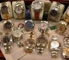 346 kusů padělků hodinek luxusních značek zadrženo na Domažlicku