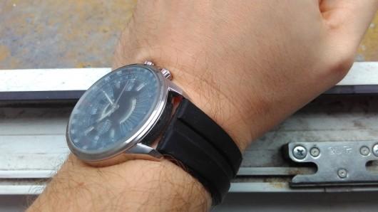 Orient CEU07005B na ruce