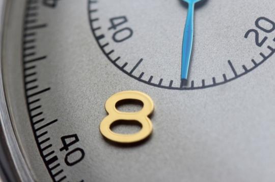 11) Sea Gull 1963 - detail číselníku u osmé hodiny.