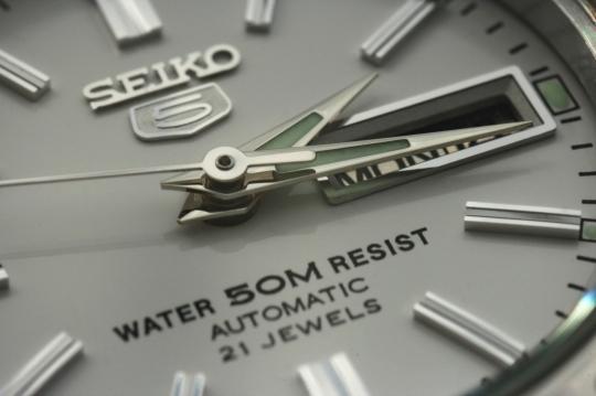 Seiko SYMG35K1 – detail číselníku.