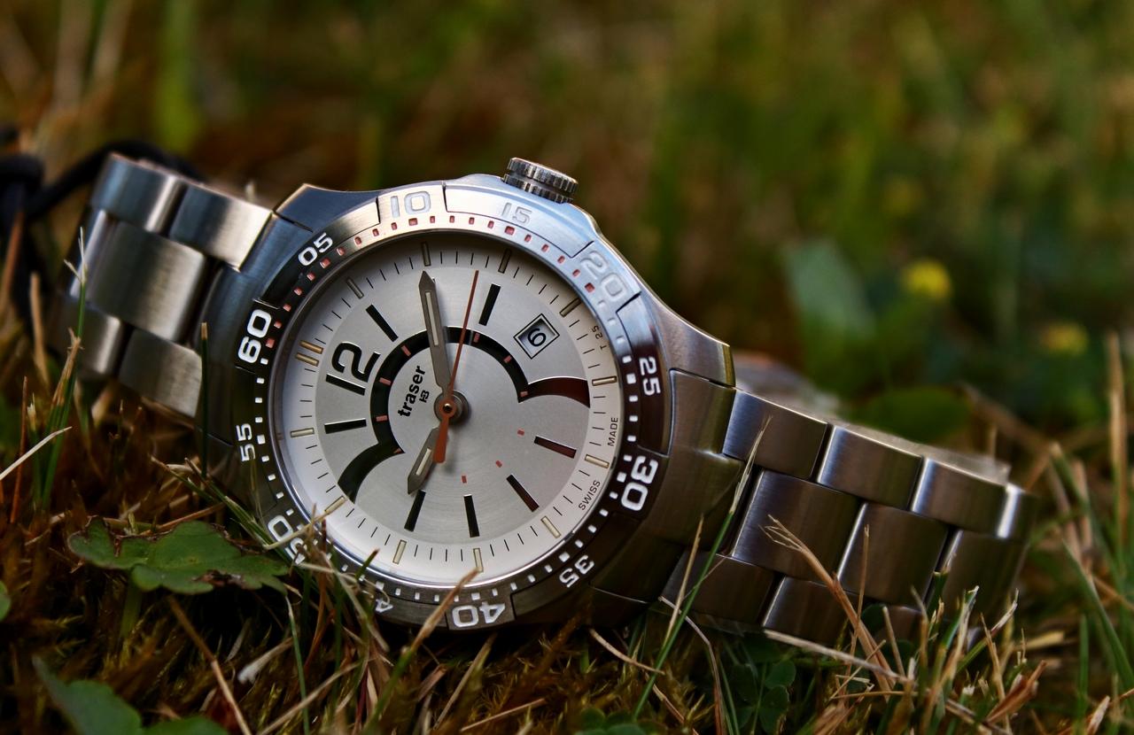 7dc579b51d2 Traser Ladytime Silver – ocelová dáma