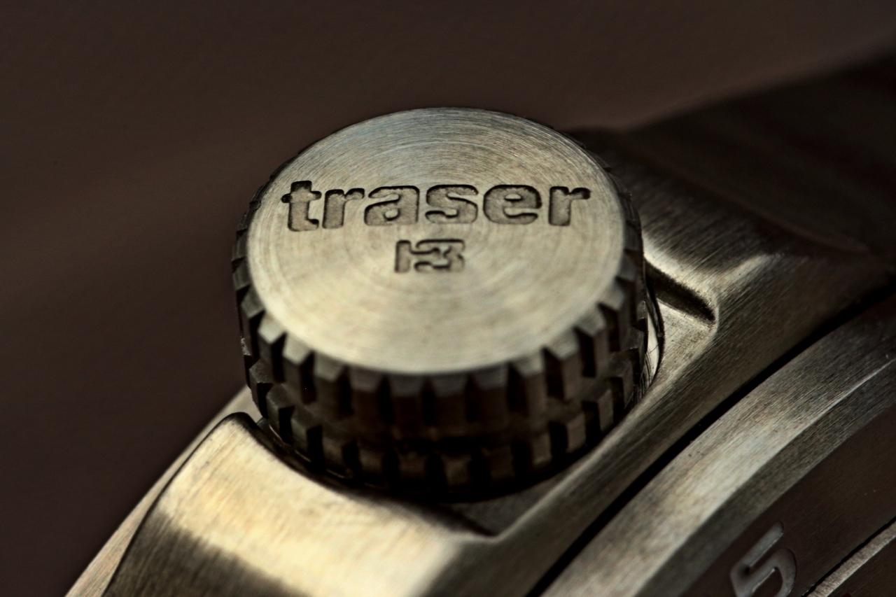 a142d36768e 7) Do detailu zpracovaná korunka hodinek Traser Ladytime Silver.