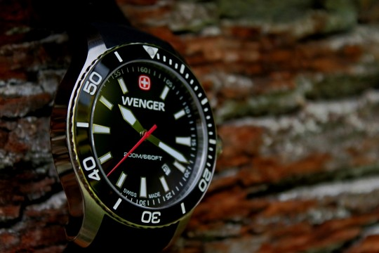 Populární model Wenger Sea Force se pyšní pouzdrem z nerezové oceli.