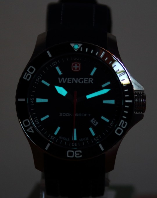 Luminisce hodinek Wenger Sea Force.
