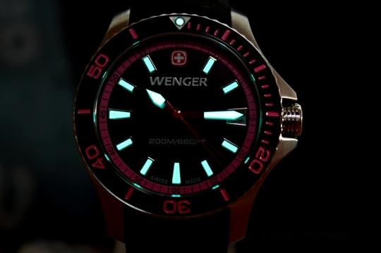 Wenger Sea Force – luminiscence je velmi silná.