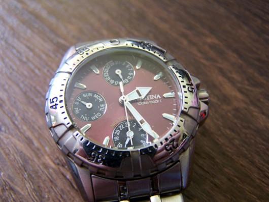 Nepovedená fotka hodinek Festina