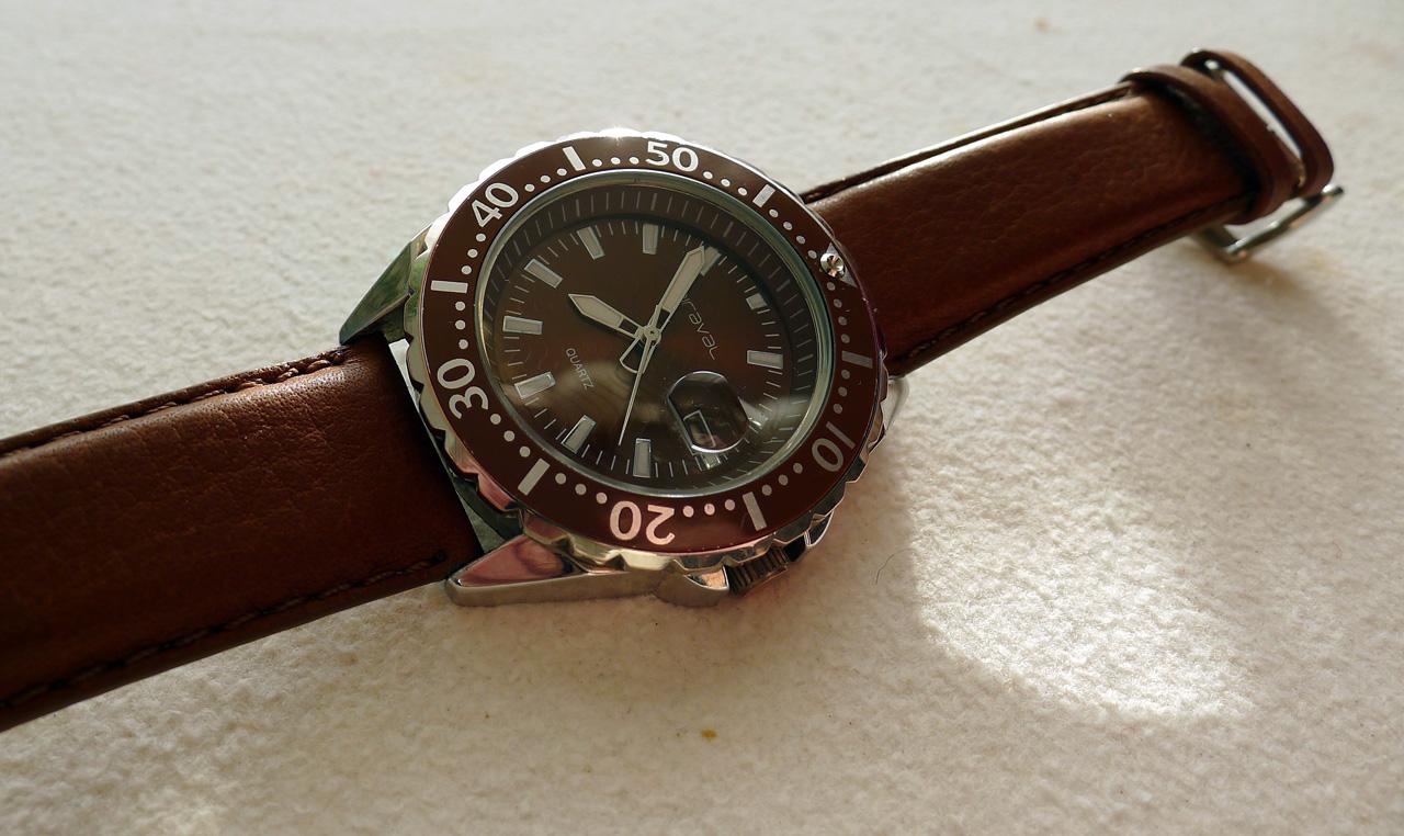 ... takže pokud máte chuť sepsat svoje zkušenosti s vlastními hodinkami e7f7aa1f51