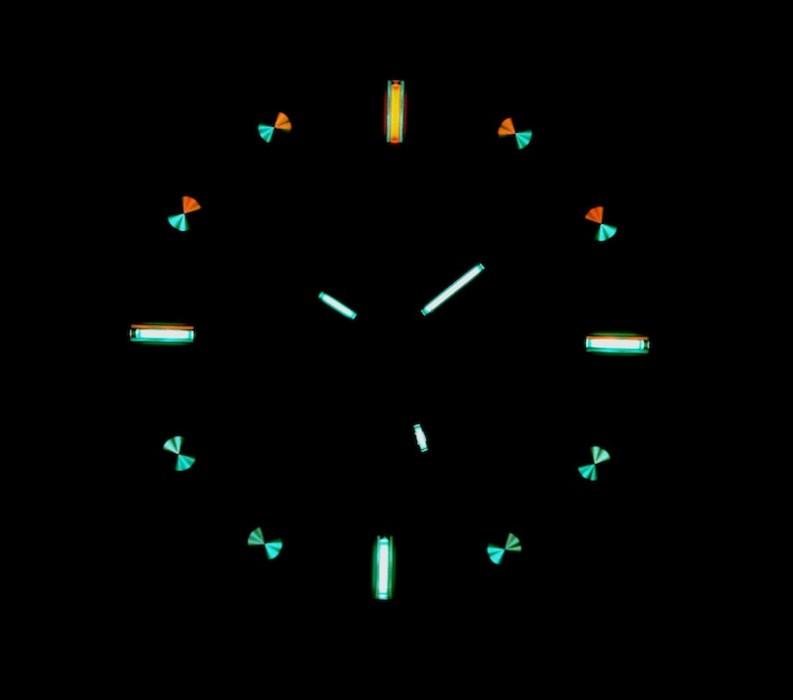 03469c44c5e Traser Classic Translucent v noci